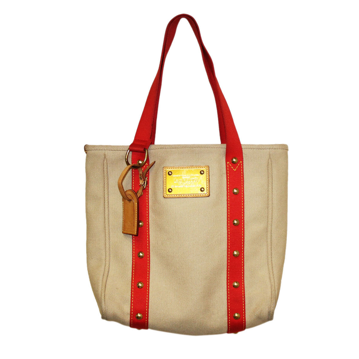 """louis vuitton raw material Belletrud traversed the globe to find raw materials for the line speaking exclusively to elite traveler on his time spent in calabria, italy, in search of bergamot, citron and lemon, belletrud explains, """"the fruit varies ever so slightly from one orchard to the next."""
