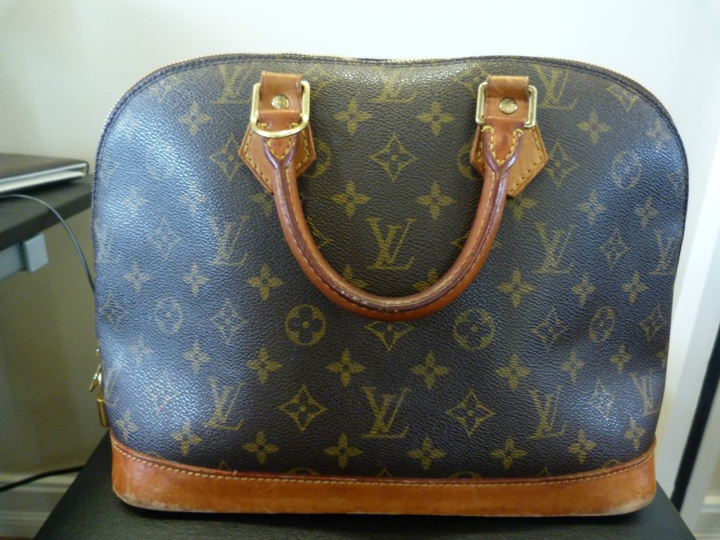 louis vuitton alma preowned, how to clean louis vuitton, how to clean lv canvas
